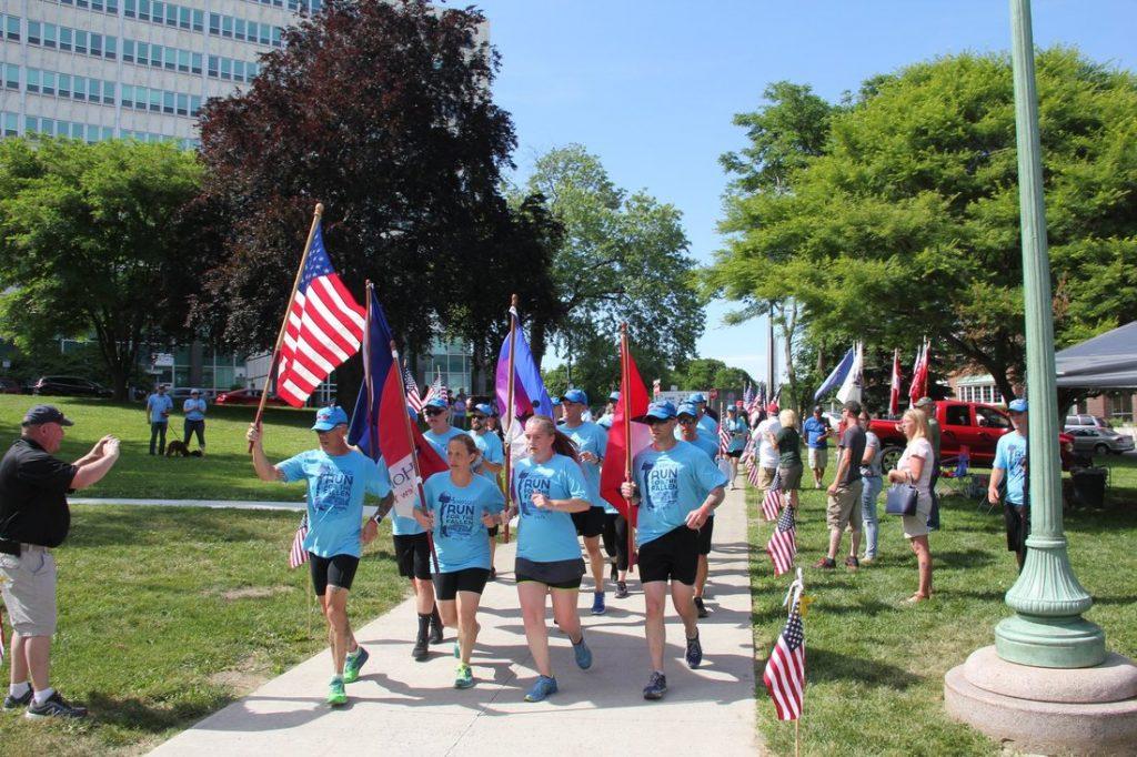 NY runners 2018 into Albany